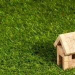 Firmy proponują wieloraki arsenał pokryć dachowych, zrealizowanych z obszernych półproduktów o pełnych właściwościach.